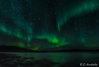Aurora en los fiordos de Tromso